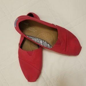 Classic Red Tom's slipons